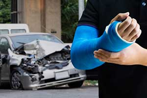 Man hurt in a car accident who needs to file a car accident settlement